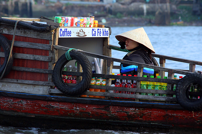 can-tho-floating market
