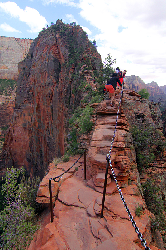 angels-landing-trail-zion-national-park-utah