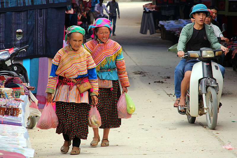 flower-hmong-bac-ha-market
