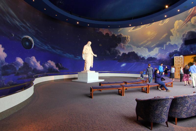 jesus-statue-mormonen-visitors-centre