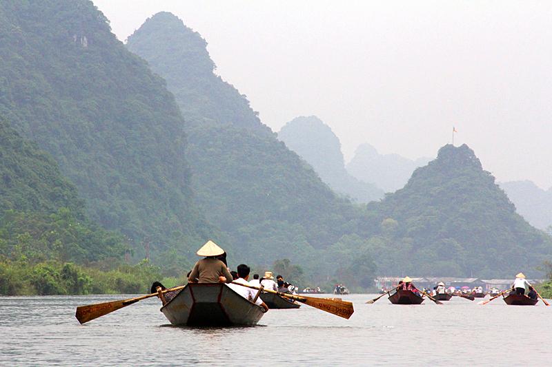 bootsfahrt-perfume-pagoda-vietnam