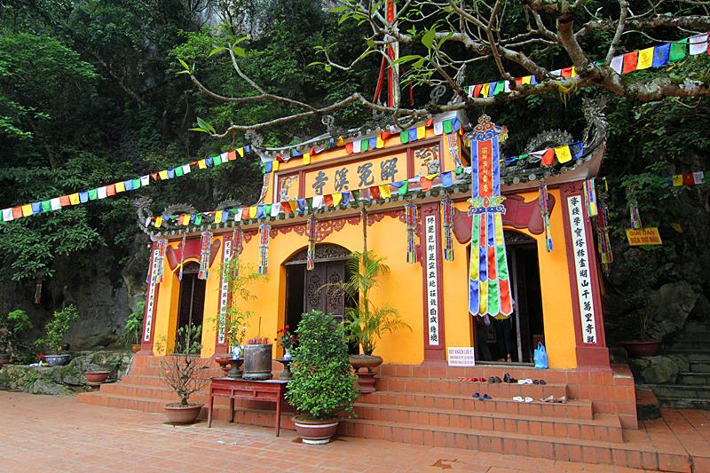 tempel-perfume-pagoda