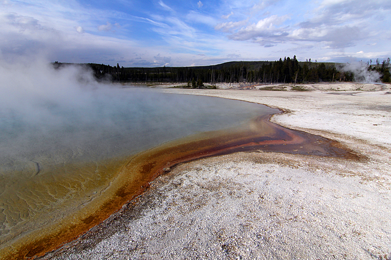 Yellowstone-national-park-wyoming-usa