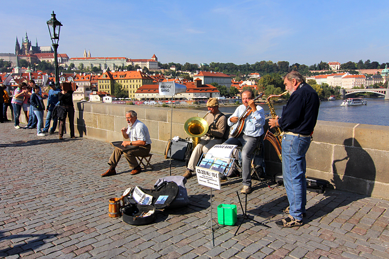 musikanten-auf-der-karlsbruecke-prag