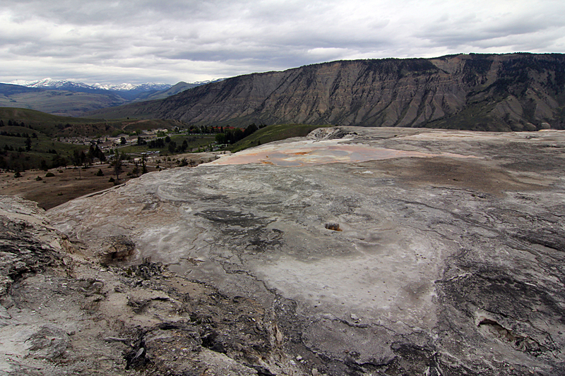 yellowstone-mammoth-hot-springs