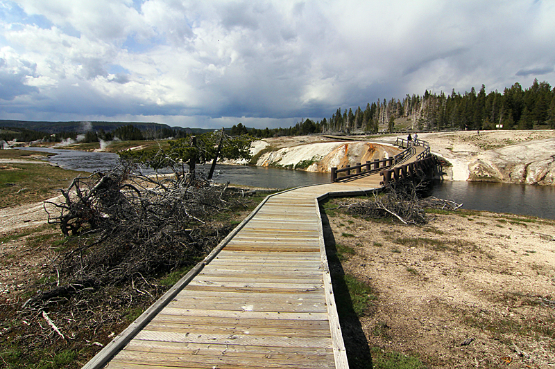 yellowstone-national-park-wyoming