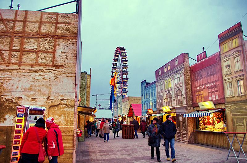 berliner-weihnachtsmarkt-neptunbrunnen