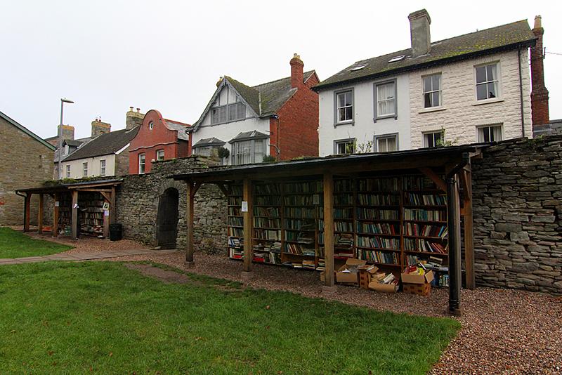 hay-on-wye-castle-books