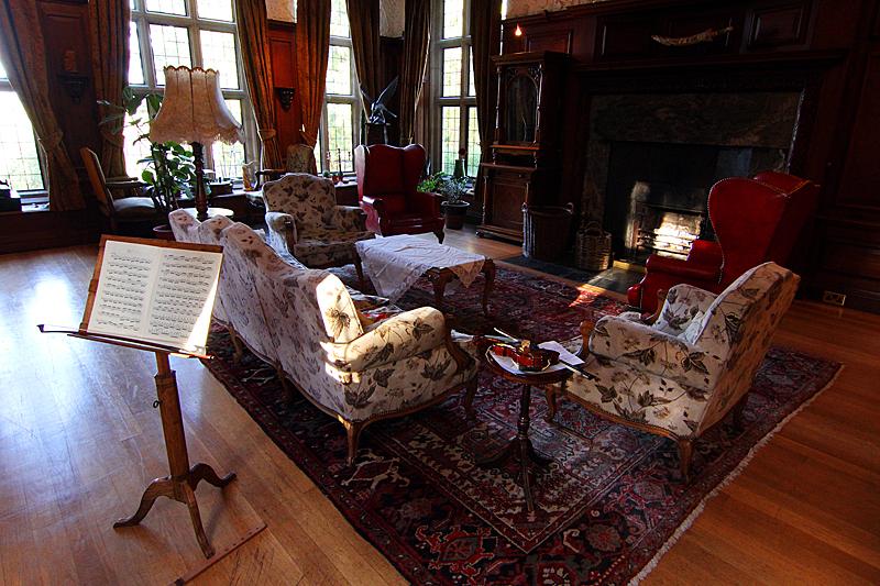 maesycrigiau-manor-drawing-room