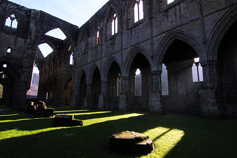 tintern-abbey-river-wye
