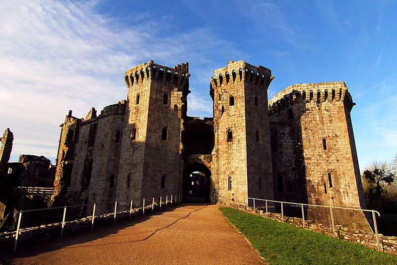 reiseroute-raglan-castle-wales