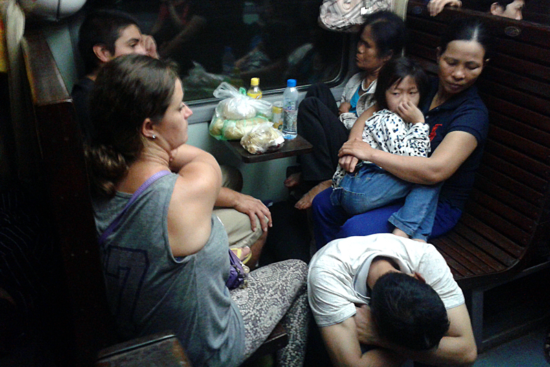hard-seat-night-train-vietnam