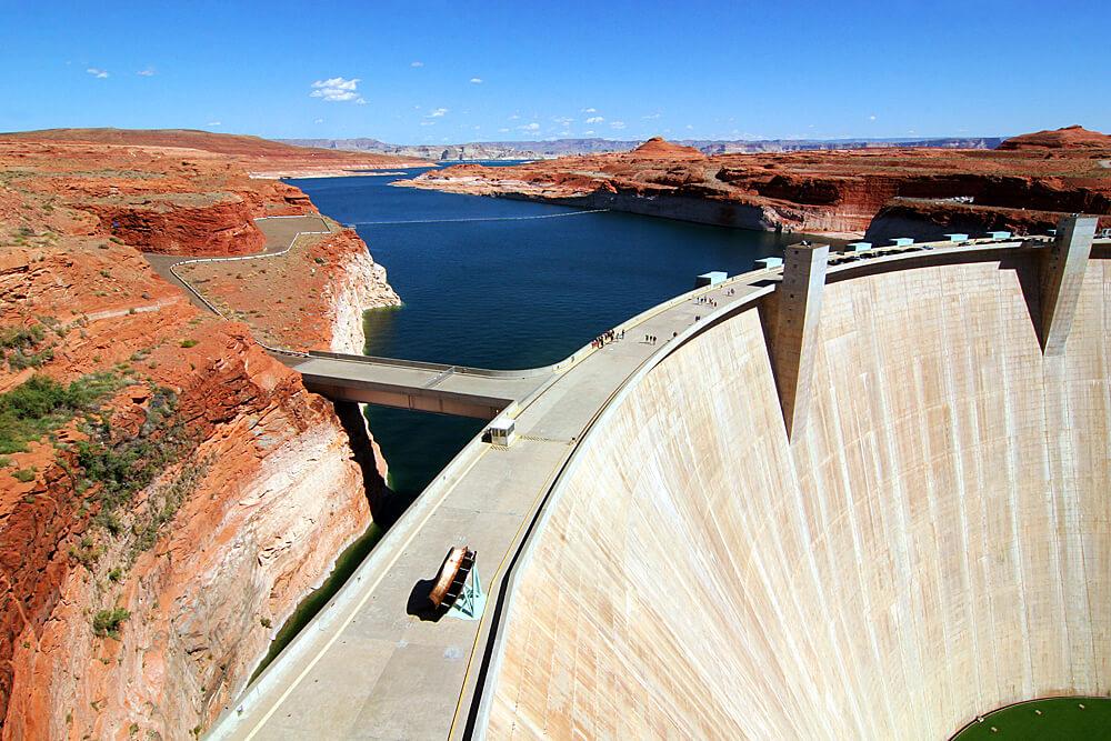 glen-canyon-dam-page-arizona