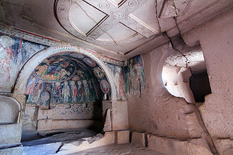 fresken-felsenkirchen-wandern-in-kappadokien