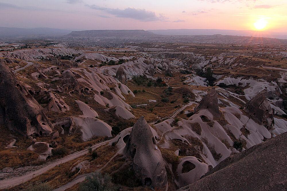 tal-der-tauben-kappadokien-hoehlenhotel-argos-in-cappadocia