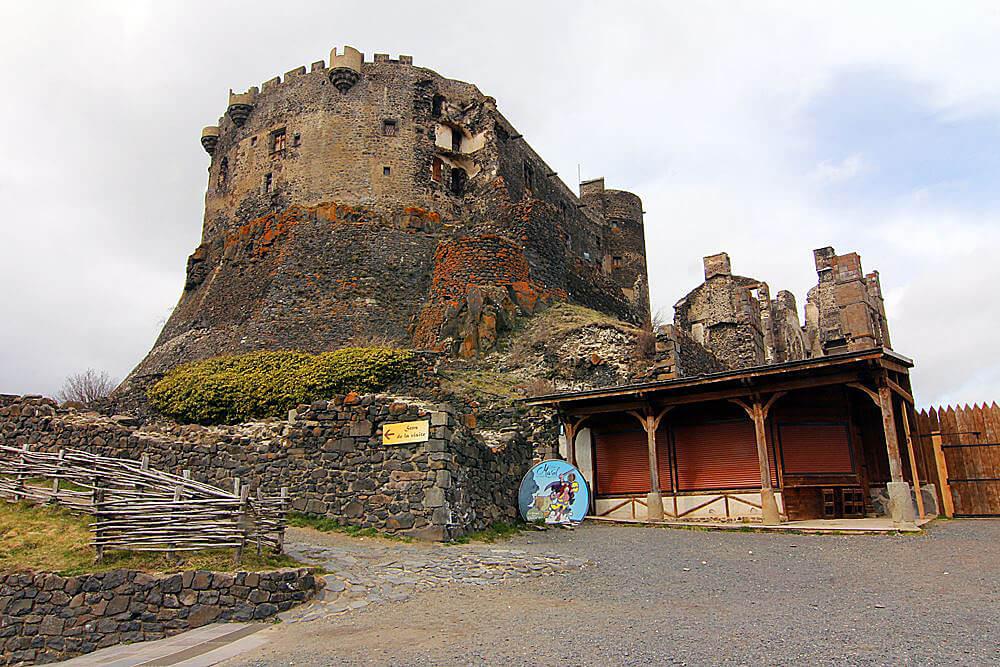 chateau-de-murol