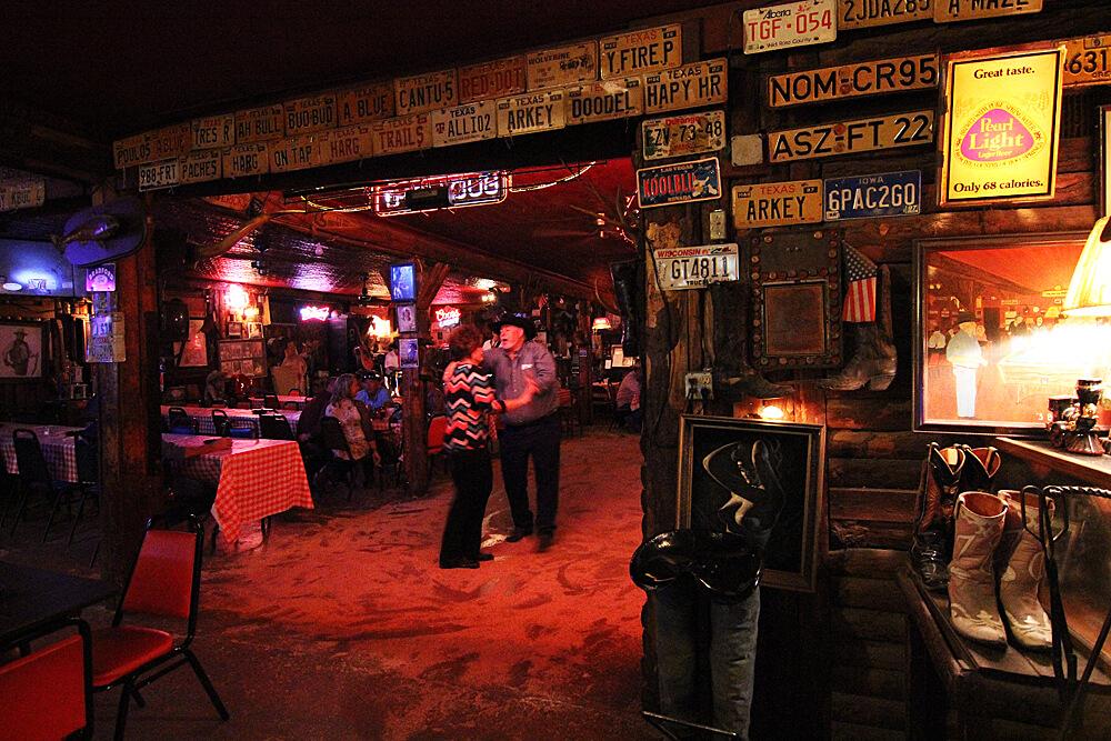 silver-dollar-saloon-bandera-texas
