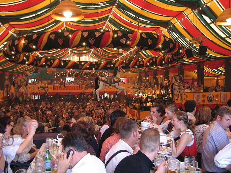 oktoberfest-typisch-deutschland