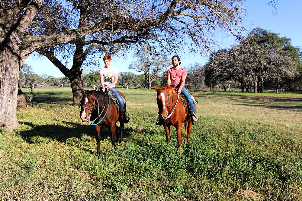 reiten-lazy-f-ranch-smiley-texas