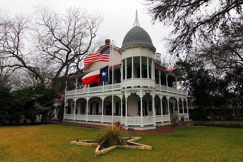 gruene-mansion-inn-hill-country-texas