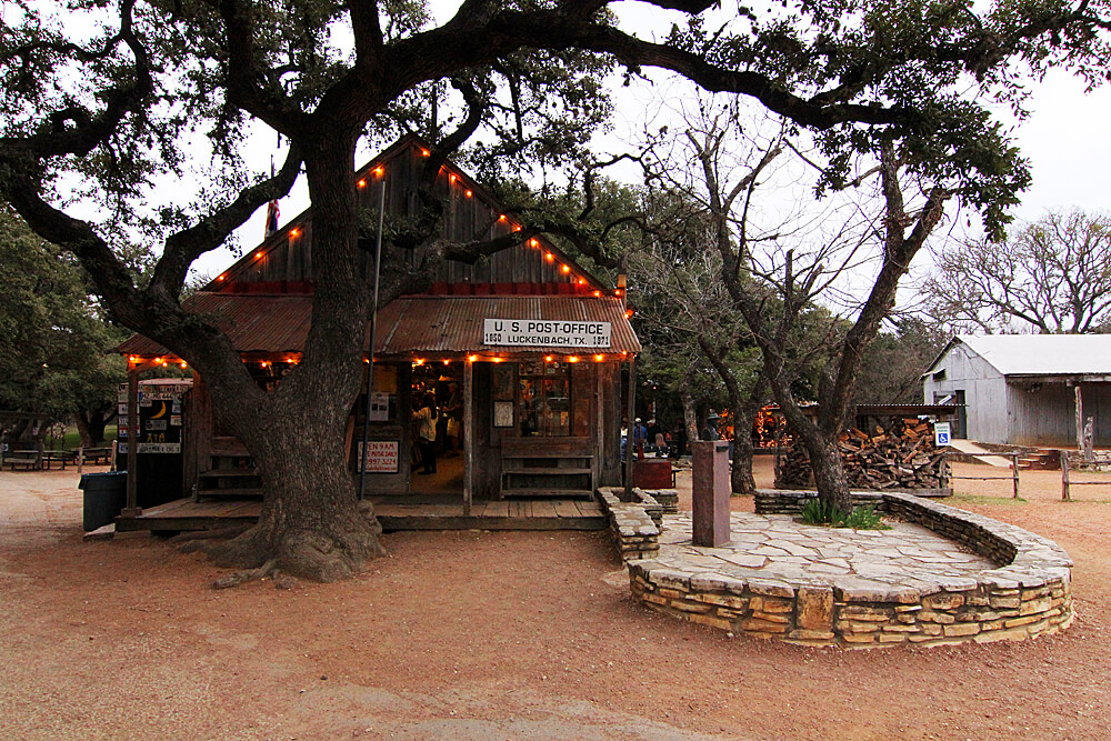 luckenbach-hill-country-texas