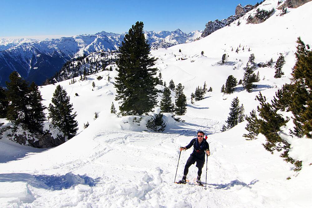 schneeschuhwanderung-im-rofangebirge-am-achensee