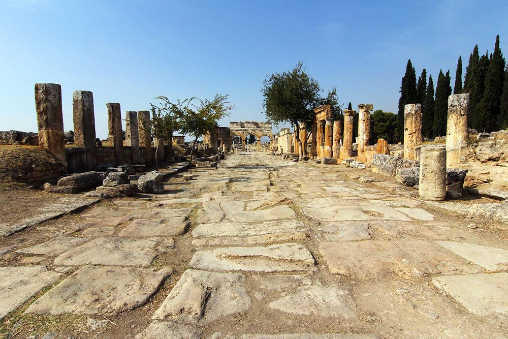 römische-ruinen-pamukkale-türkei